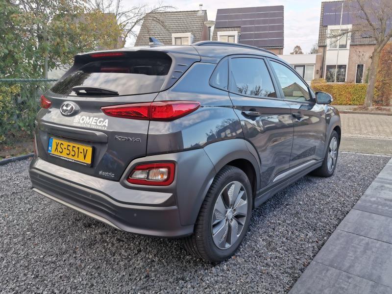 hyundai-kona-electric-premium-donkergrijs-release-zakelijk-leasen-4
